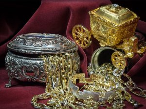 What to Know Before Investing in Precious Metals