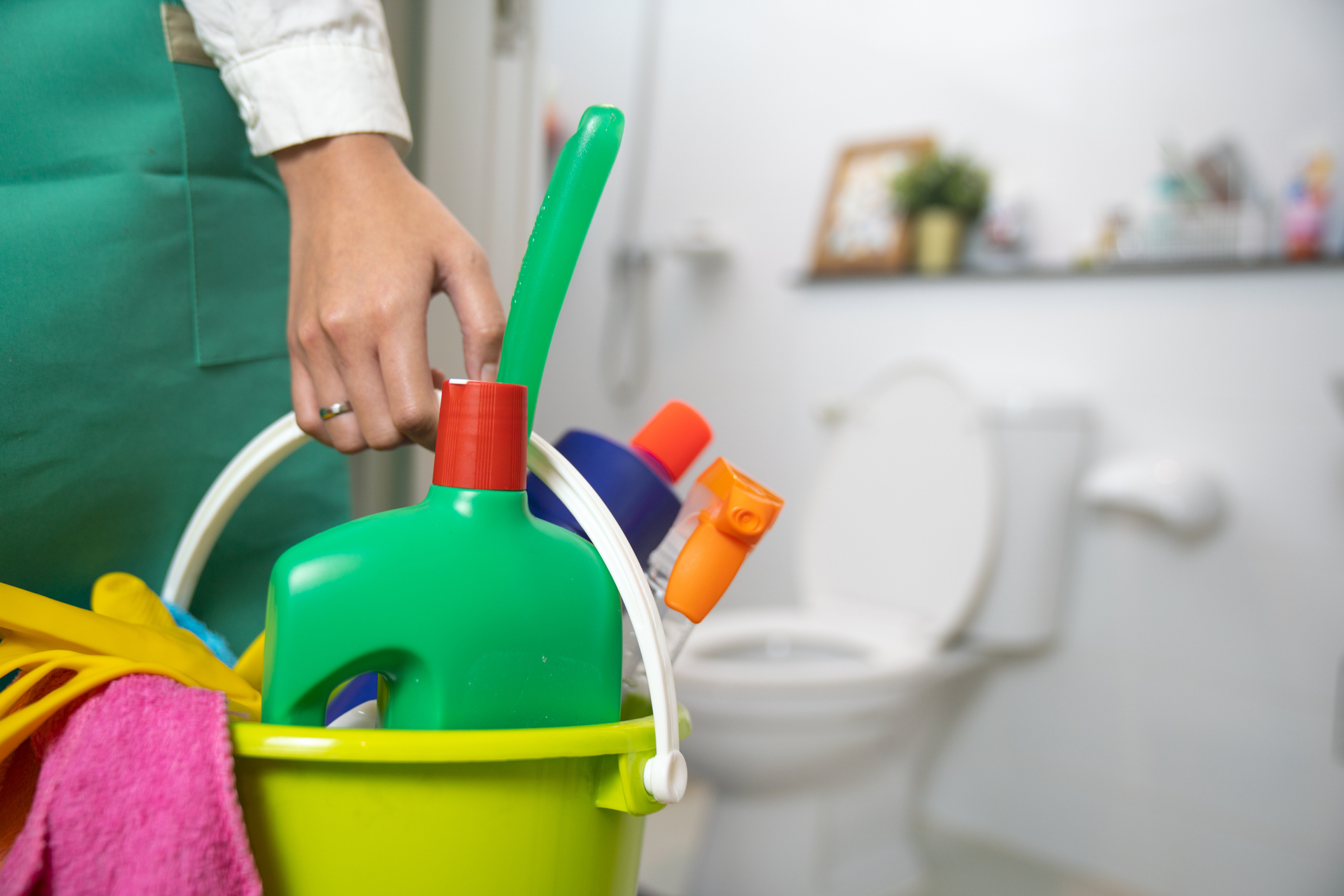 What Are the Best Bathroom Cleaning Products? — HowStuffWorks